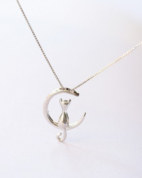 Lovely clavicle necklace moon necklace for women