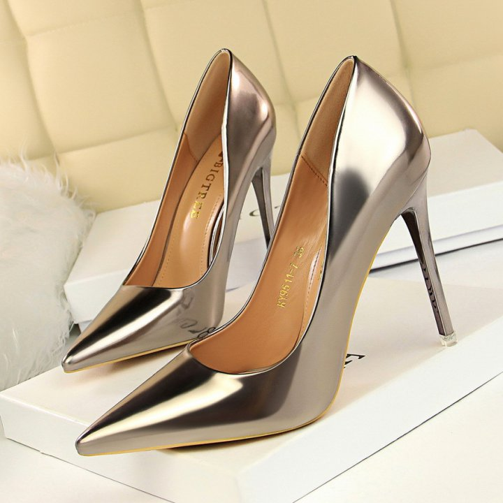 High-heeled shoes pointed high-heeled shoes for women