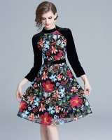 Velvet pinched waist nine points sleeve embroidery dress