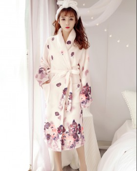 Large yard lengthen nightgown autumn and winter bathrobes