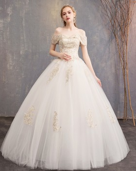 Bride slim formal dress flat shoulder light wedding dress
