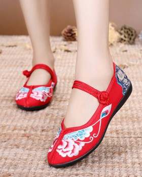 Spring and summer embroidered national style cloth shoes
