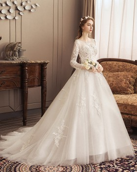 Trailing floor length wedding dress bride formal dress