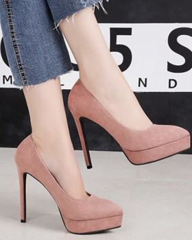 Low pointed platform fine-root nightclub shoes for women