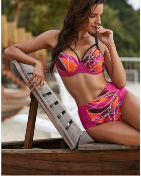 Unique three-point bikini separates swimsuit for women