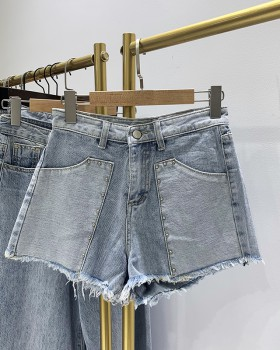 Wears outside mixed colors slim short jeans for women