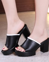 Wears outside shoes large yard platform for women