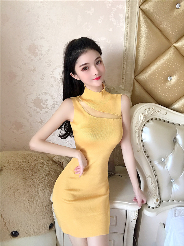 Chest hollow bottoming sleeveless dress knitted dress