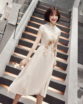 Small generous evening dress host lady cheongsam for women