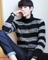 Stripe fashion Korean style sweater for men