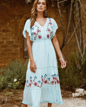 Refinement vacation embroidered flowers dress
