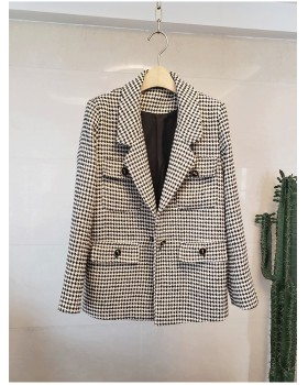 Fashion and elegant business suit coat for women