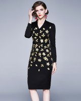 Package hip pinched waist embroidery dress for women