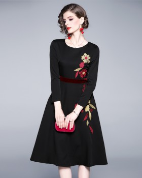 Velvet temperament splice embroidery long dress for women
