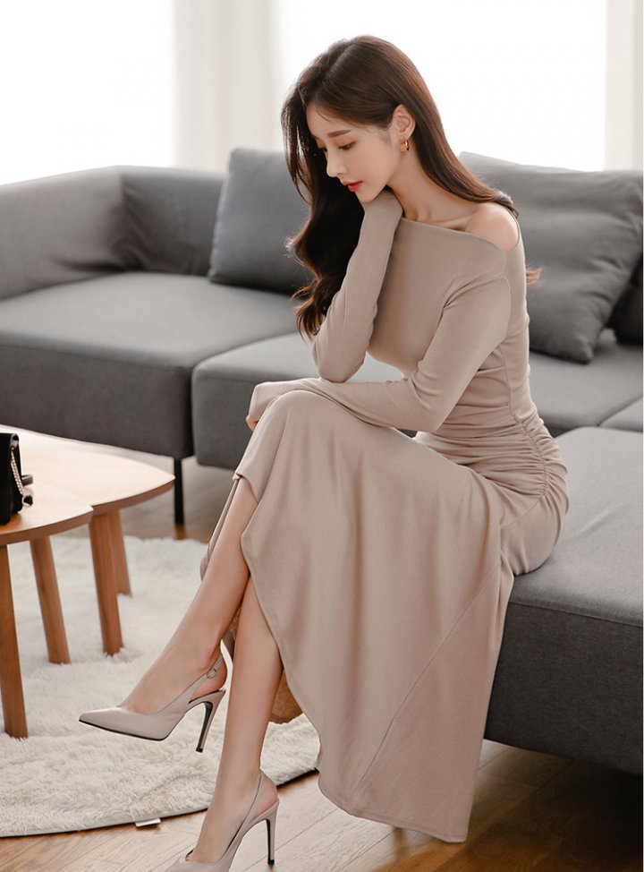 Slim bottoming autumn long sleeve light temperament dress