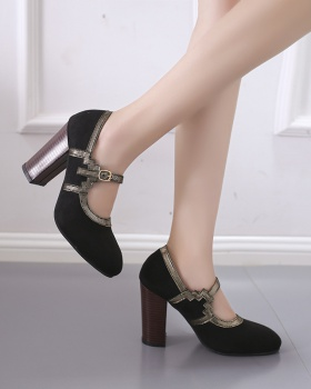 Large yard high-heeled fashion sandals for women