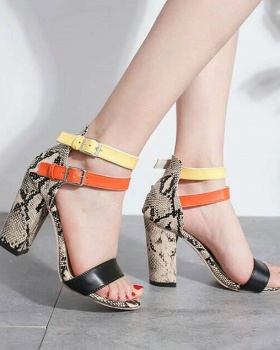 European style large yard thick sandals for women