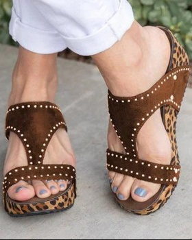 Large yard leopard rhinestone light sandals