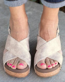 Large yard summer light sandals