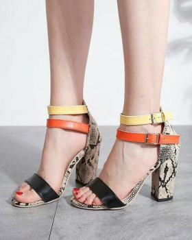 Large yard European style mixed colors thick sandals