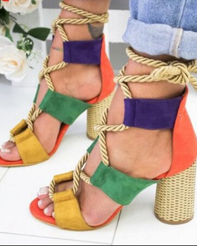 Large yard European style sandals for women