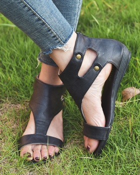 Retro large yard autumn summer sandals