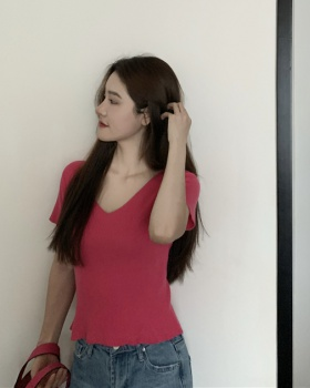 Sexy rose-red V-neck knitted slim T-shirt