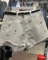 Summer loose slim burr embroidery daisy short jeans for women