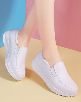 Nurse Casual summer shoes heighten low portable shake shoes