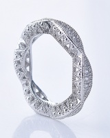 Fully-jewelled white hollow round ring for women