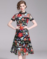 Hollow ladies temperament short sleeve embroidery dress