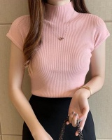 Short bottoming shirt sweater for women