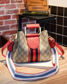 Messenger shoulder bag fashion packet for women