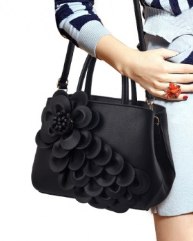 High capacity handbag European style messenger bag for women