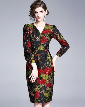 Jacquard V-neck fashion temperament dress
