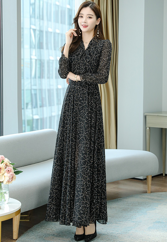 Exceed knee spring and autumn dress V-neck long dress