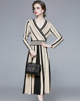 Pleated long sleeve slim knitted dress for women