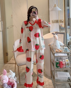 Lovely loose spring and autumn pajamas a set for women