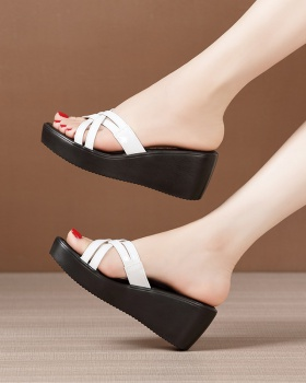 Fashion large yard platform all-match slippers