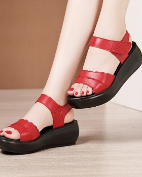 Middle-heel trifle slipsole sandals for women
