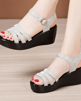 Large yard sandals slipsole platform for women