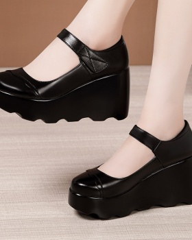 Thick crust low platform large yard leather shoes for women
