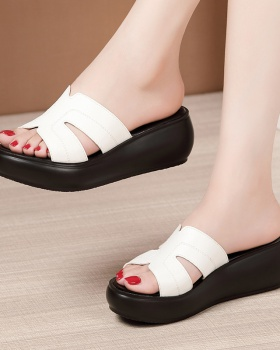 Wears outside slipsole slippers open toe platform