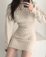 Twist round neck little sexy slim pullover dress