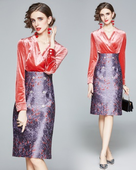 Long sleeve splice velvet temperament dress