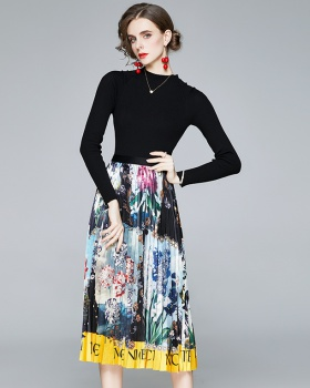 Printing skirt round neck sweater a set