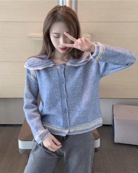 Large lapel cardigan sweater for women