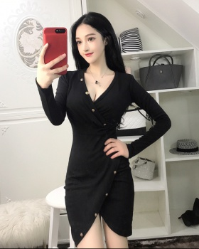 Sexy long sleeve V-neck low-cut autumn and winter dress