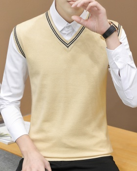 Woolen yarn V-neck sweater student vest for men