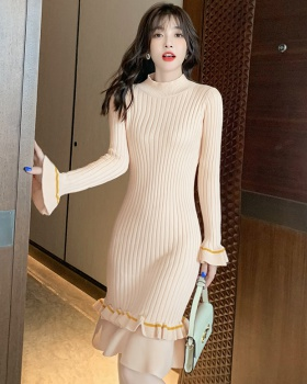 Long sleeve temperament wood ear slim dress